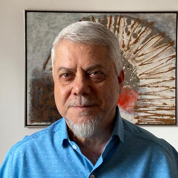 Dr. Marcos Mundin